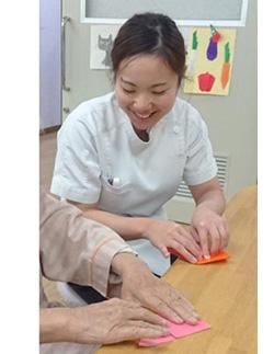 リハビリテーション 作業療法士 竹林 久美子 安達 彩穂